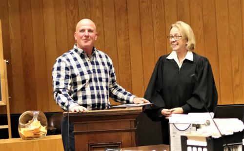Photo of 2019 Vets Court graduate and Judge Laurie McLeod